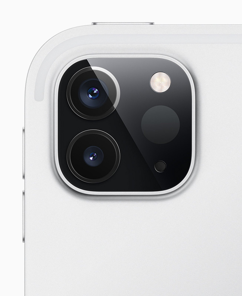 Thiết kế độc đáo với 3 camera phía sau