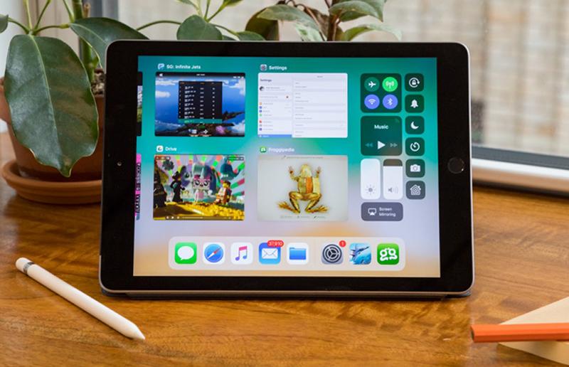 iPad 6th còn hỗ trợ kết nối với Apple Pencil giúp thao tác dễ dàng hơn